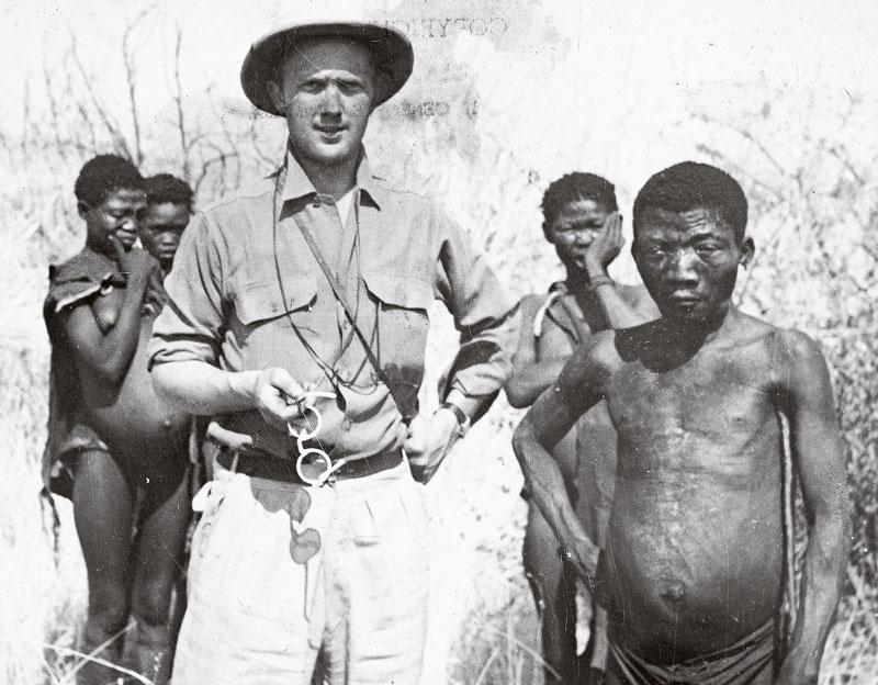 Jens Bjerre 6, Jens Bjerre var 26 år, da han mødte buskmændene for første gang i 1947